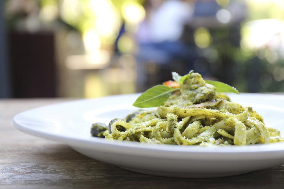 Fettuccine-s-gljivama-i-pestom | Author: Thinkstock